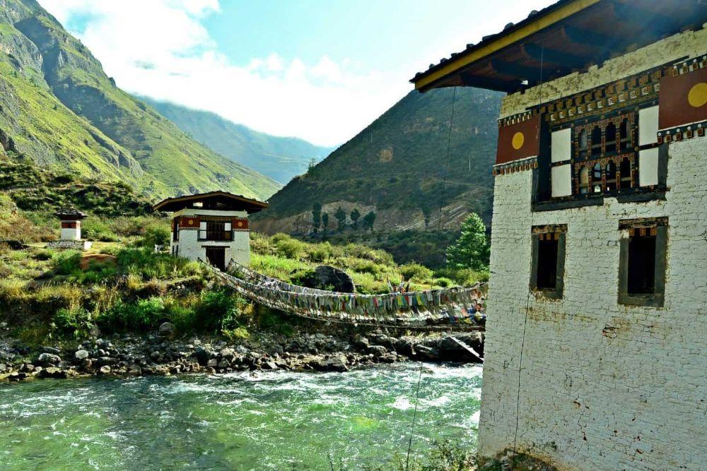 Erleben Sie beeindruckende Landschaften und ein Land mit lebendiger Kultur