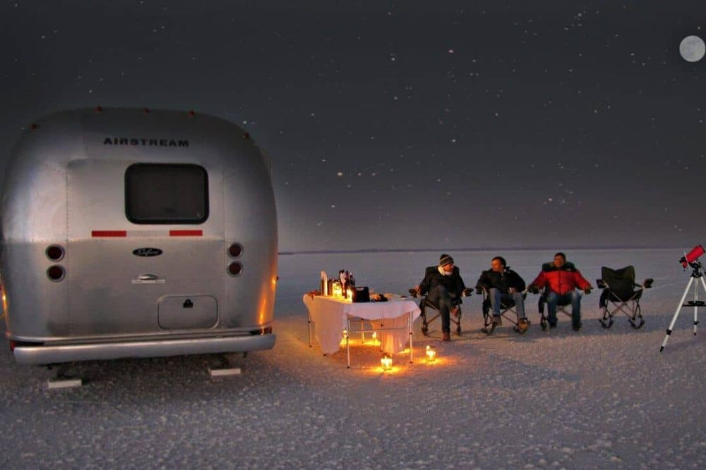 bolivien_Salar_de_Uyuni_air-stream-camper11