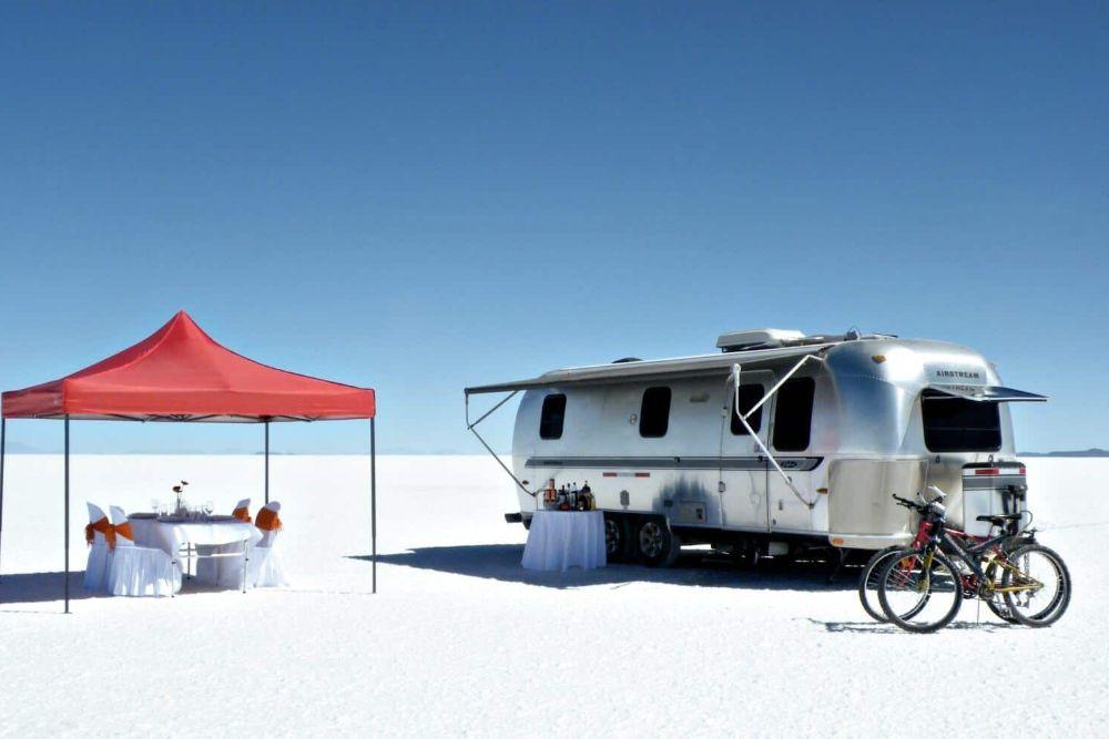 bolivien_Salar_de_Uyuni_air-stream-camper12