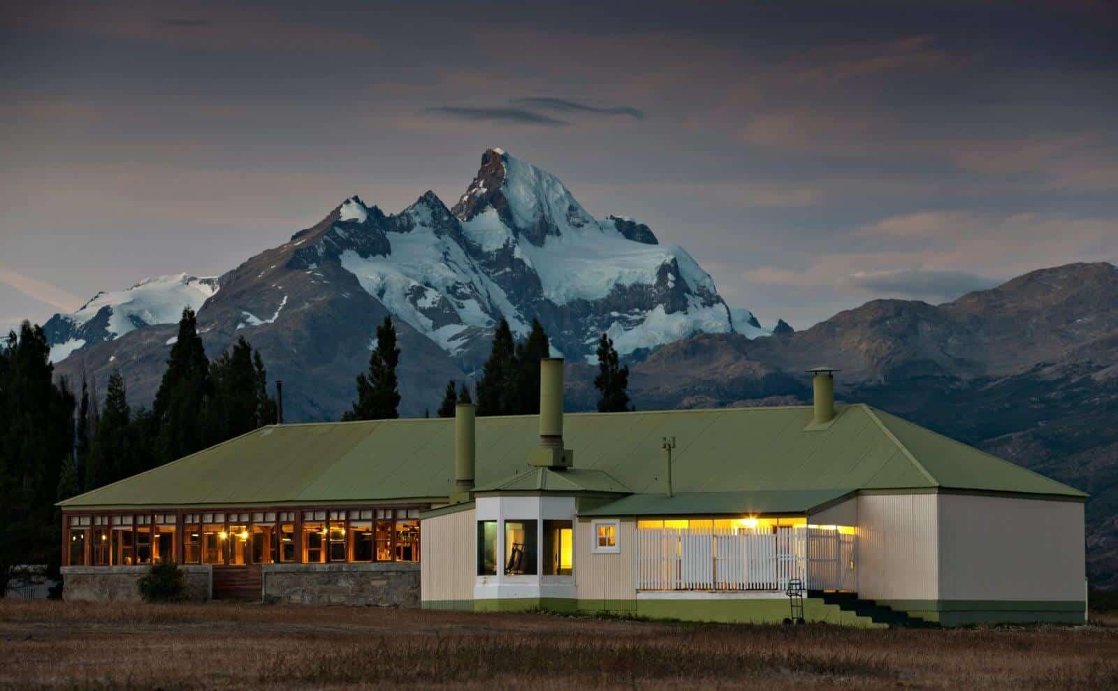 patagonien_lodge-estancia-cristina-aussen2