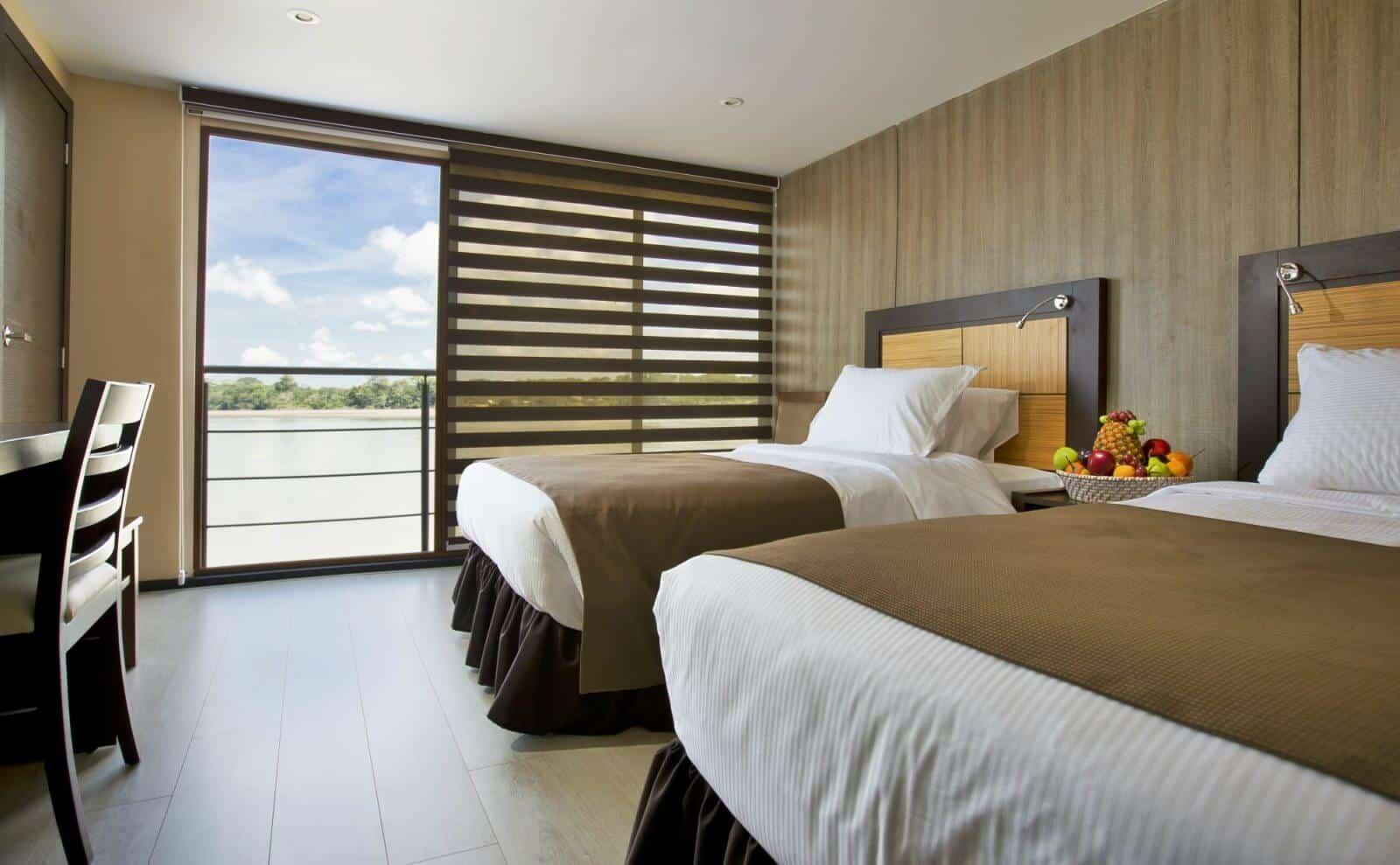 MV Anakonda Suites