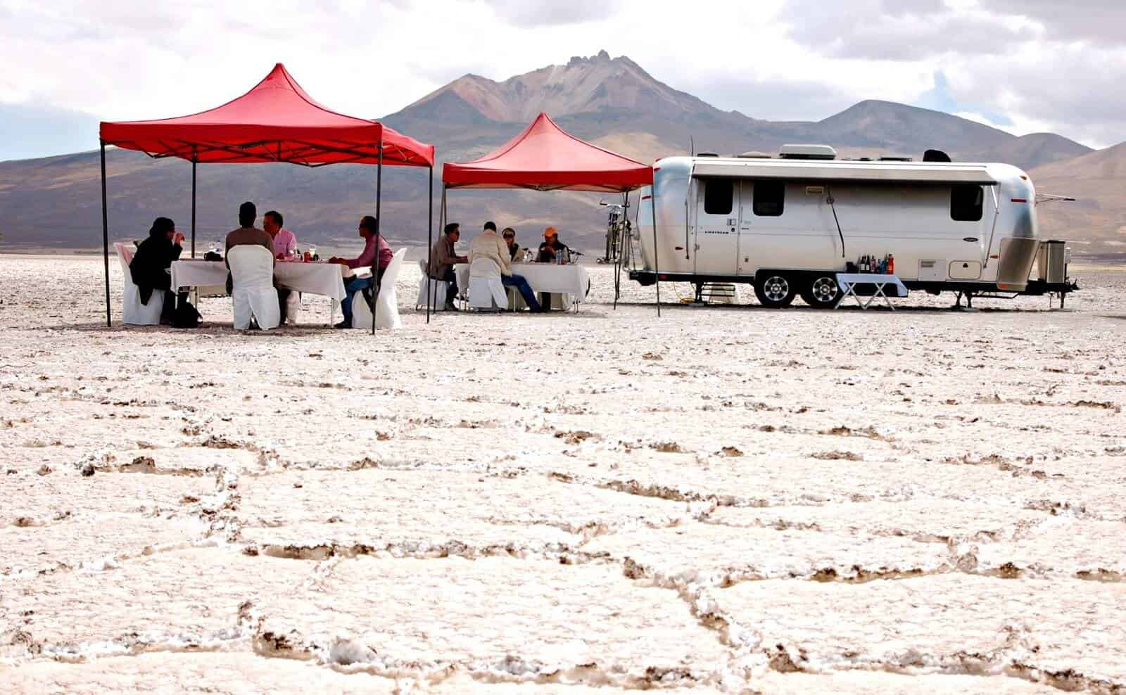 bolivien_Salar_de_Uyuni_air-stream-camper10