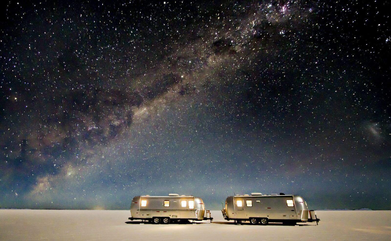 bolivien_Salar_de_Uyuni_air-stream-camper3