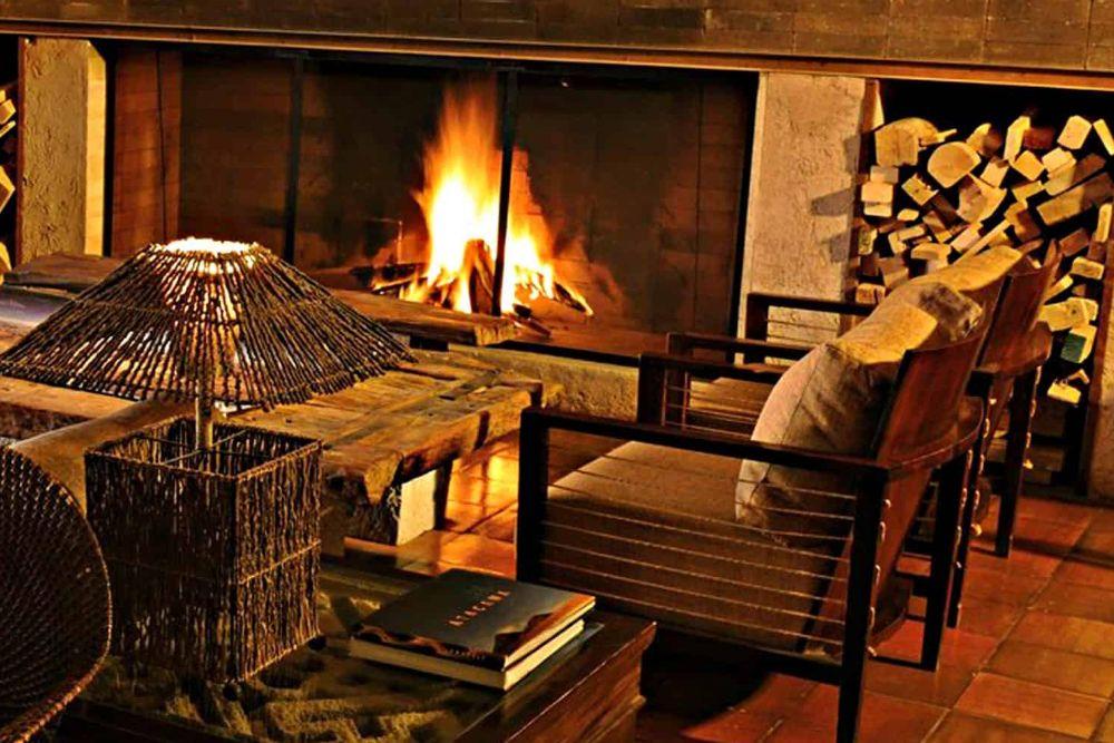 chile_hotel-alto-atacama-lounge