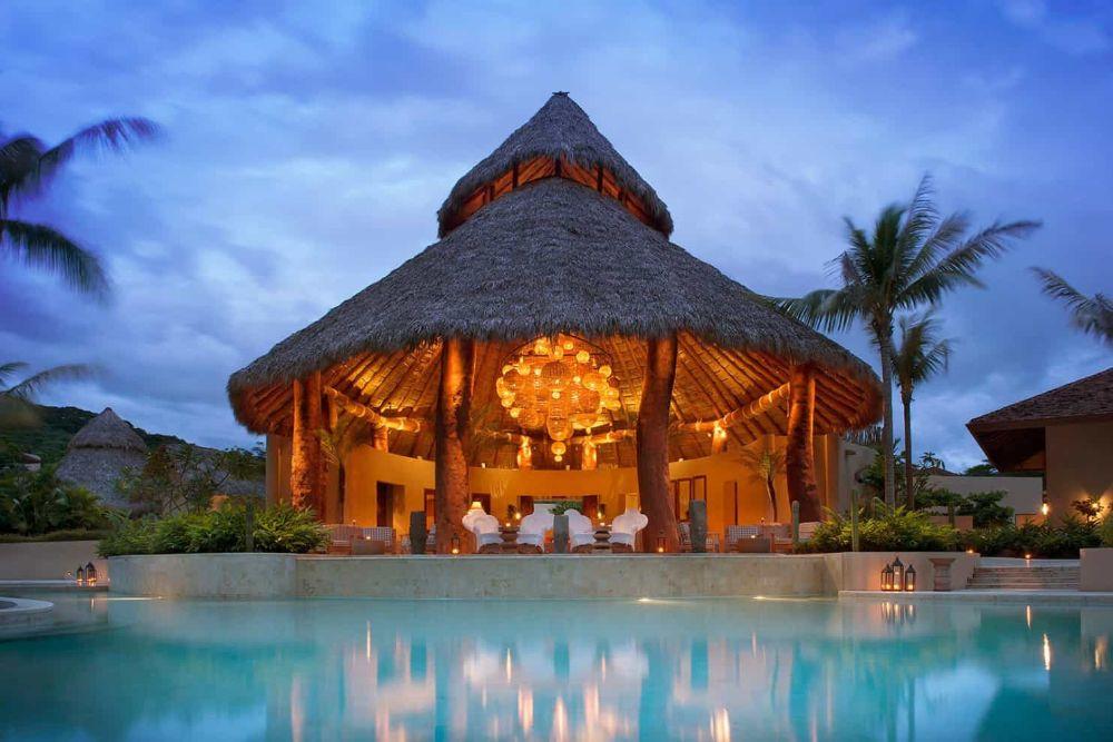Mukul-Resort_Main-Palapa-Night