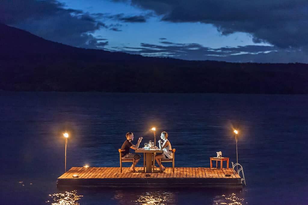 Romantisches Abendessen auf dem Nicaragua See