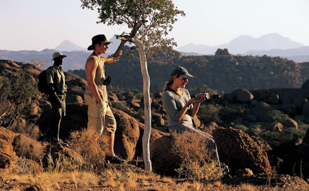WalkingSafari_Namibia