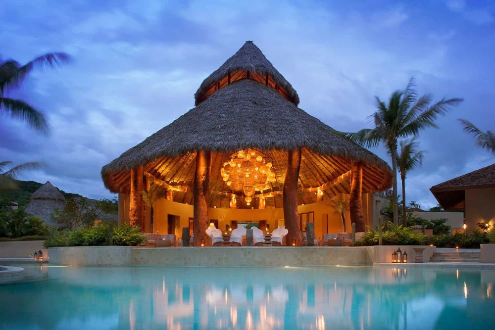 Mukul-Resort_Main-Palapa-Night