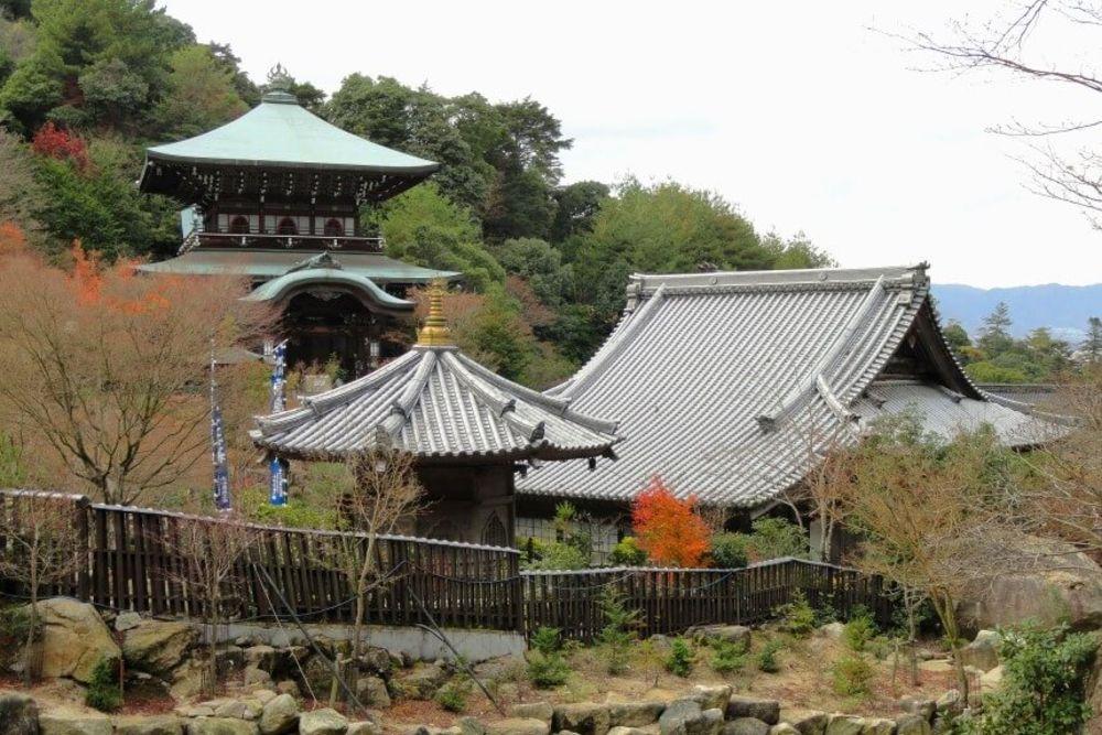 miyajima-94164_1920-860-x-576
