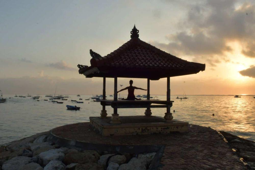Indonesia_Bali_Yoga-Sun-Salutation8