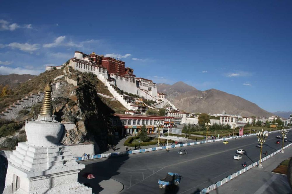 LXA_Potala-Palace_From-Jeanie-Qin