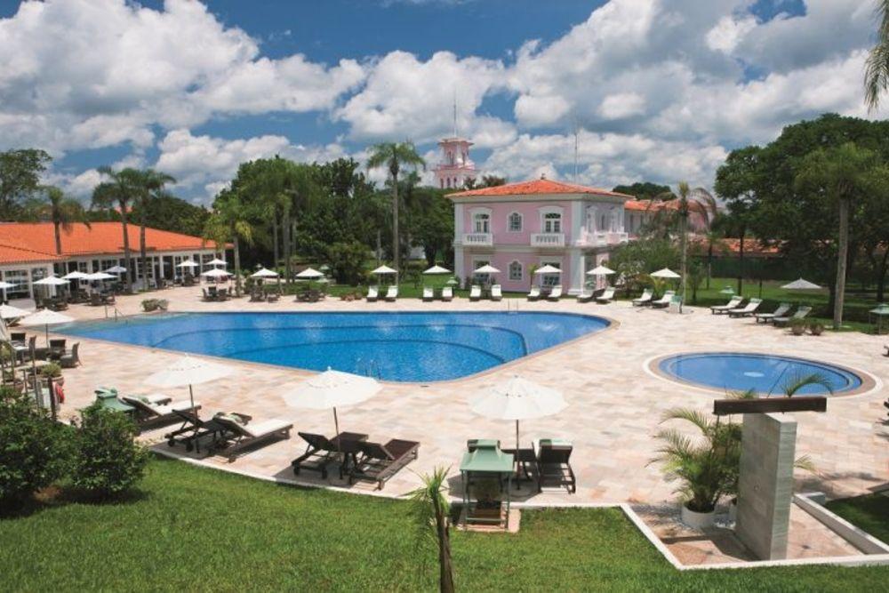 Belmond-Cataratas-Foz-do-Iguaçu-pool-day-768x475