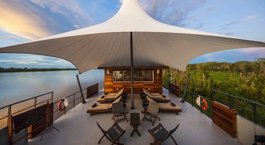 Peru_Amazonas_Kreuzfahrt_Aria_Outdoor Lounge